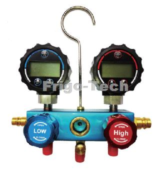 Manifold with digital gauge